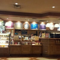 Photo taken at The Coffee Bean & Tea Leaf by tere on 1/27/2012