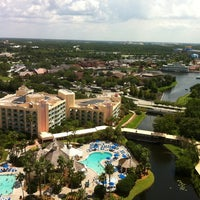 Photo taken at Hilton Orlando Buena Vista Palace Disney Springs Area by Chen H. on 7/13/2011