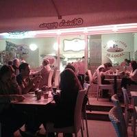 5/5/2012 tarihinde Tugrul A.ziyaretçi tarafından Olivia's Pizzeria'de çekilen fotoğraf