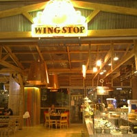 Photo taken at Wing Stop by ibrahim K. on 7/27/2011
