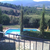 Photo taken at Villa Le Capanne by SirCambiozzi on 7/30/2011