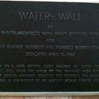8/4/2012 tarihinde Morgan R.ziyaretçi tarafından Gerald D. Hines Waterwall Park'de çekilen fotoğraf
