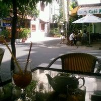 Photo taken at Cafe Thang Long 1 by Dương H. on 5/5/2012