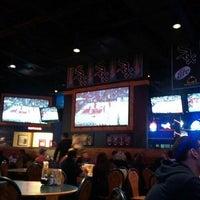 3/25/2012 tarihinde Dustin J.ziyaretçi tarafından Buffalo Wild Wings'de çekilen fotoğraf