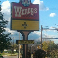 Photo taken at Wendy's by Victoria M. on 10/16/2011