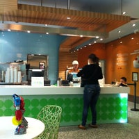 Photo taken at Pinkberry by Renette S. on 11/24/2011