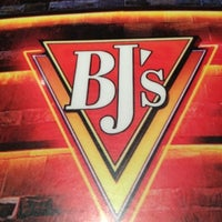 Photo taken at BJ's Restaurant and Brewhouse by Leslie F. on 8/30/2012