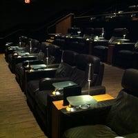 Photo prise au Cinepolis Luxury Cinemas par Dan G. le8/26/2012