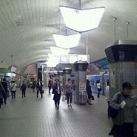 Photo taken at Midosuji Line Umeda Station (M16) by あらたか on 10/20/2011