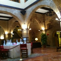Photo taken at Parador Santo Domingo de la Calzada by Javier F. on 11/1/2011