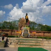 Photo taken at Statue of Queen Chamadevi by Kawoat J. on 10/31/2011