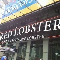 Photo taken at Red Lobster by Invisible on 9/5/2011