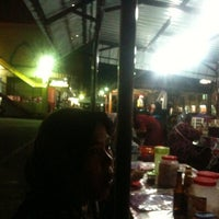 Photo taken at Warong Mee Celup Tmn Bendahara by CA Zulkifle /9M2FOX/Reporter /. on 2/26/2012