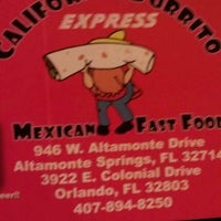 Foto tomada en California Burrito Express por Katiria N. el 11/22/2011