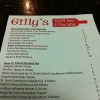 Photo taken at Gilly's Craft Beer & Fine Wine by Riz on 8/4/2012