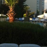 7/29/2012 tarihinde Merve Z.ziyaretçi tarafından Swissôtel Swimming Pool'de çekilen fotoğraf