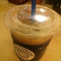 Photo taken at EDIYA COFFEE by Bongjun H. on 9/12/2012