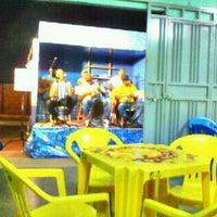 Photo taken at Espetinhos Filé Miau by Kleber A. on 4/27/2012