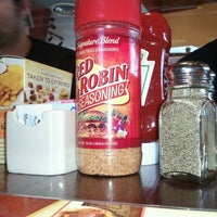 Photo taken at Red Robin Gourmet Burgers by Timmer B. on 10/7/2011