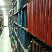 Foto tomada en Newman Library por Stefan K. el 4/13/2012