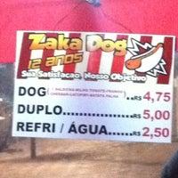 Foto tirada no(a) Zaka Dog por Rafael B. em 8/15/2012