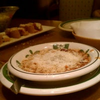 Photo taken at Olive Garden by Rick W. on 9/1/2012