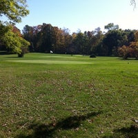Photo taken at Lake Park Golf Course by Kenny H. on 10/5/2011