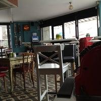 Foto tirada no(a) Susam Cafe por Nika S. em 4/14/2012