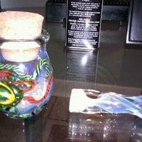 รูปภาพถ่ายที่ The Up In Smoke Shop โดย Raven S. เมื่อ 1/28/2012