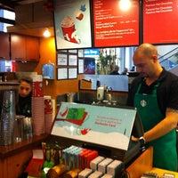 12/15/2011 tarihinde Efe K.ziyaretçi tarafından Starbucks'de çekilen fotoğraf