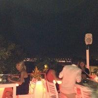 Das Foto wurde bei Beluga Bar Karma Sky Lounge von Kadir G. am 6/25/2012 aufgenommen