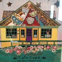 5/12/2012 tarihinde Gary M.ziyaretçi tarafından Cafe Cups'de çekilen fotoğraf