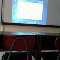 Foto tomada en Escuela de Periodismo por Eduardo A. el 9/13/2012