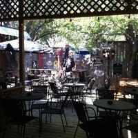 Foto tomada en McElroy's Pub por Amanda D. el 9/25/2011