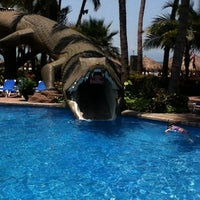 Photo taken at Alberca Paradise Village Pool by Taly🎀 S. on 6/3/2012