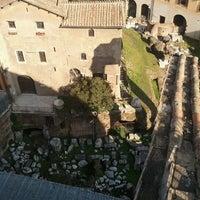 Foto scattata a Teatro di Marcello da Maurizio ZioPal P. il 2/17/2012
