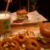 Foto scattata a Bareburger da Francisco A. il 1/21/2012