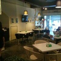 Photo taken at 棋坊 PitStop Kitchen by Panda L. on 7/31/2011