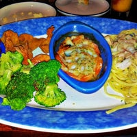 Photo taken at Red Lobster by Arlo A. on 9/27/2011