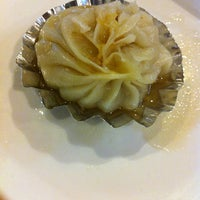 Das Foto wurde bei Koi Palace 鯉魚門海鮮茶寮 von Brian L. am 8/26/2012 aufgenommen