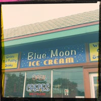 Photo taken at Blue Moon Ice Cream by Miss N. on 7/5/2012