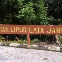 Photo taken at Hutan Lipur LATA JARUM by NoniE N. on 10/23/2011