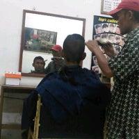Photo taken at Pangkas Rambut Mandiri by Zaki I. on 1/3/2012