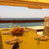 Photo prise au La Tana Restaurante par Sandra L. le7/15/2012