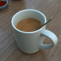 Photo taken at 长城美华 Coffee Shop (CCMW) by 🎈 Alan 🐶 L. on 8/26/2011
