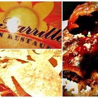 Foto tomada en La Parrilla Mexican Restaurant por Ki T. el 6/10/2012
