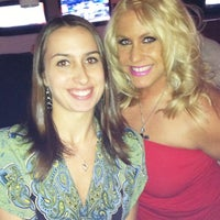 Photo taken at Stadium Sports Tavern by Elizabeth T. on 7/20/2011