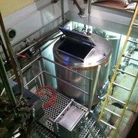 Photo taken at Moat Mountain Smoke House & Brewing Co. by Thomas P. on 10/22/2011