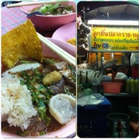 Photo taken at Macau Tomyum Noodle by Kwuan S. on 8/11/2012