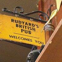 3/30/2012 tarihinde Chef D.ziyaretçi tarafından Rudyard's British Pub'de çekilen fotoğraf
